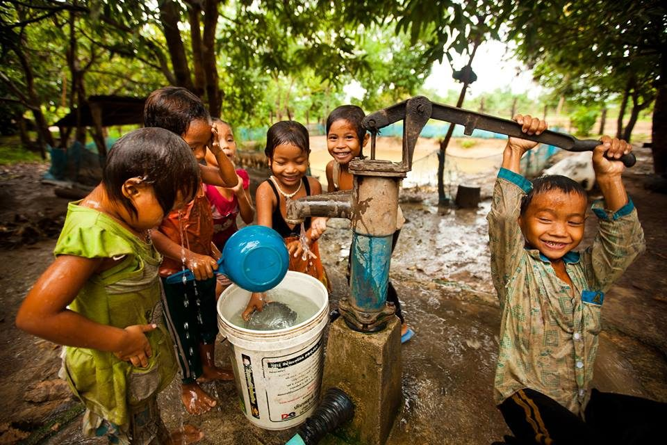 Give Water – Life Water